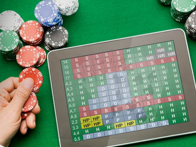 Grunnleggende strategitabell for blackjack